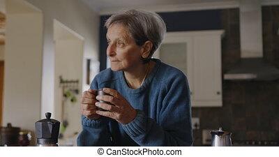 femme, seul, personne agee, délassant, maison
