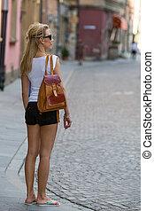 femme, short, t-shirt
