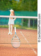femme, silhouette, section, tennis, jeune, bas, jouer, vue