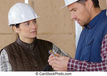 femme, site, mâle, ouvriers construction