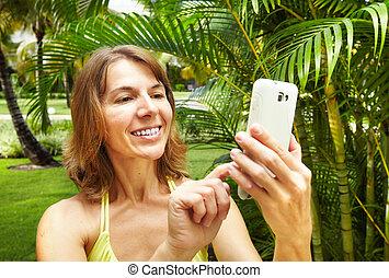 femme, smartphone.