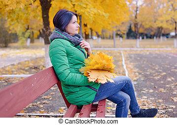 femme, songeur, feuilles, banc, grand, érable