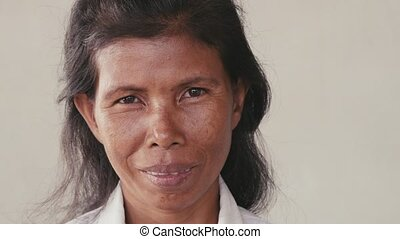 femme souriante, asiatique, heureux