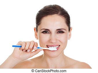femme souriante, nettoyage, elle, dents