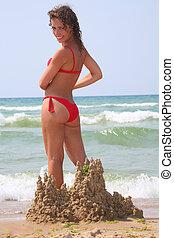 femme, sur, plage, dans, château sable