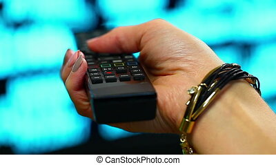 femme, télécommande, 3, main