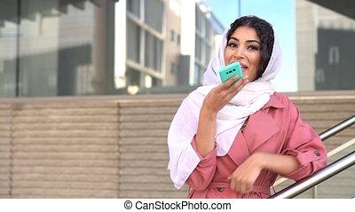 femme, téléphone, musulman, hijab, intelligent, porter,...