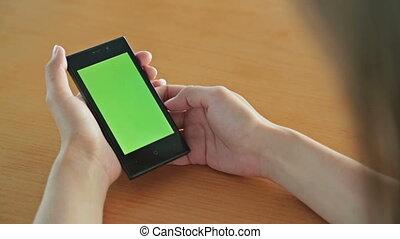 femme, tablette, écran, regarder, informatique, vert, café