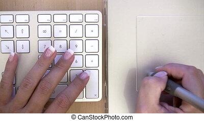 femme, tablette, fonctionnement, graphiques