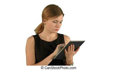 femme, tablette, jeune, isolé, fond, utilisation, blanc