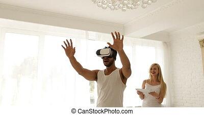 femme, tablette, réalité virtuelle, tenue, numérique, utilisation, lunettes, homme