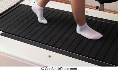 femme, tapis roulant