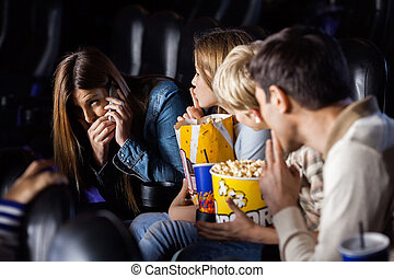 femme, théâtre, mobilephone, famille, regarder, utilisation