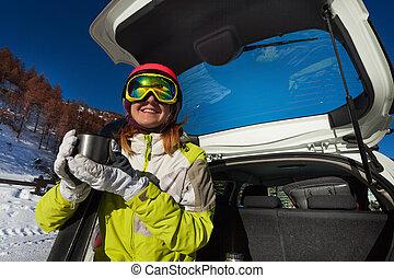 femme, thé, après, repos, ski, boire, avoir, heureux