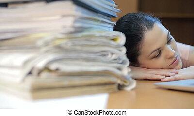 femme, travail, surchargé