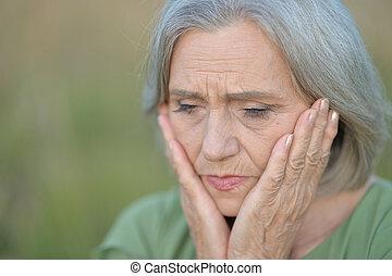 femme triste, beau, personne agee