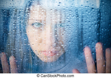 femme triste, fenêtre, pluie, mélancolie, jeune