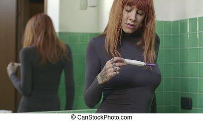 femme, triste, test de grossesse, girl, kit