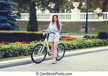femme, vélo, joli, dehors