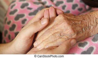 femme, vieux, petit-fils, très, main, grand-mère, tenue, homme aîné