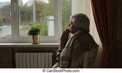 femme, vieux, prière