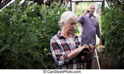 femme, vieux, tablette, ferme, pc, serre