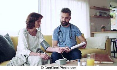 femme, visiteur, maison, santé, visit., personne agee, pendant