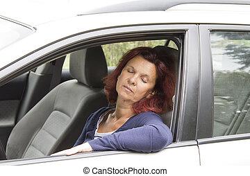 femme, voiture, chauffeur, sommeils, fatigué