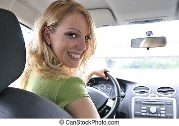femme, voiture, intérieur, jeune, portrait, sourire