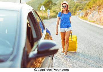 femme, voiture, jeune, jaune, va, valise