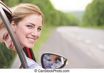 femme, voiture., rouges