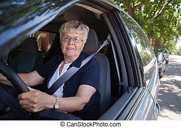 femme voiture, vieux, conduite