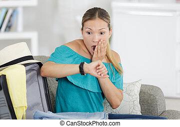 femme, vol, être, choc, tard, quoique, travail, ou