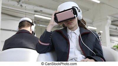 femme, vr-headset, jeune homme, indoores