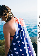 femme, wet-haired, drapeau, dos, américain, vue