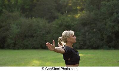 femme, yoga, jeune, dehors