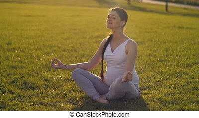 femme, yoga, pregnant