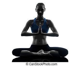 femme, yoga, séance, méditer, exercisme, isolé, joint, studio, fond, mains, silhouette, blanc, une, caucasien