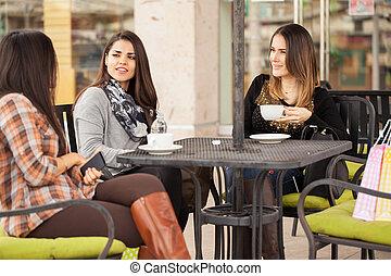 femmes, café, apprécier, café, dehors