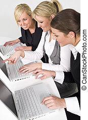 femmes dans affaires