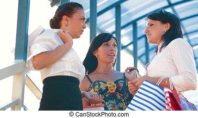 femmes, discuter, sacs, achats