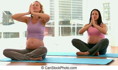 femmes enceintes, fitne, yoga
