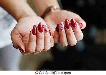 femmes, manucure, mains