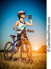 femmes, sur, vélo