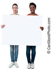 femmes, whiteboard, désinvolte, tenue, vide