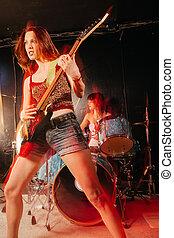 femmina, chitarrista, e, tamburino