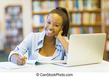 femmina, laptop, studente università, africano, usando