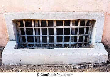 fenêtre, vieux, barres, sous-sol
