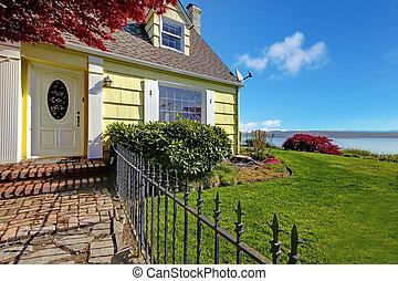 fence., classique, jaune, eau, petit, maison, vue