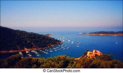 fermé, au-dessus, île, timelapse, azur, cros, francais, cote, en mouvement, mer, bateaux, coup, port